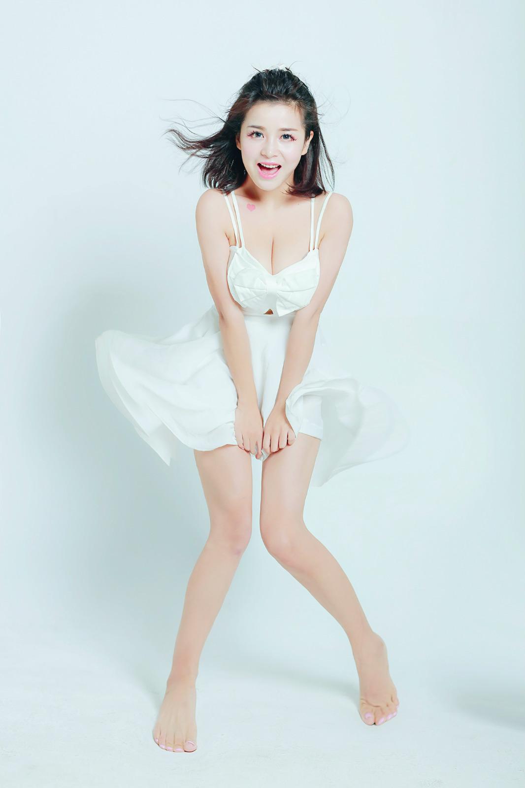 CJ最美showgirl微博时尚女神——陈潇(映客直播)